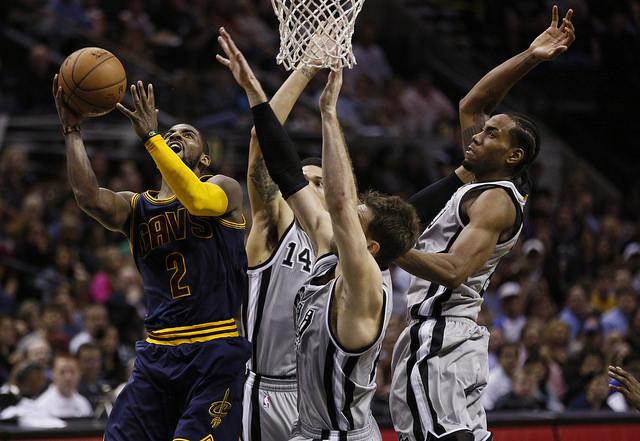 San Antonio Spurs - Kawhi Leonard - Flickr - Erik Drost