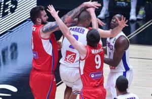 Miroslav Raduljica - Stefan Markovic - Tony Parker - Serbien - Frankrig - FIBA - Ciamillo Castoria - Ciamillo
