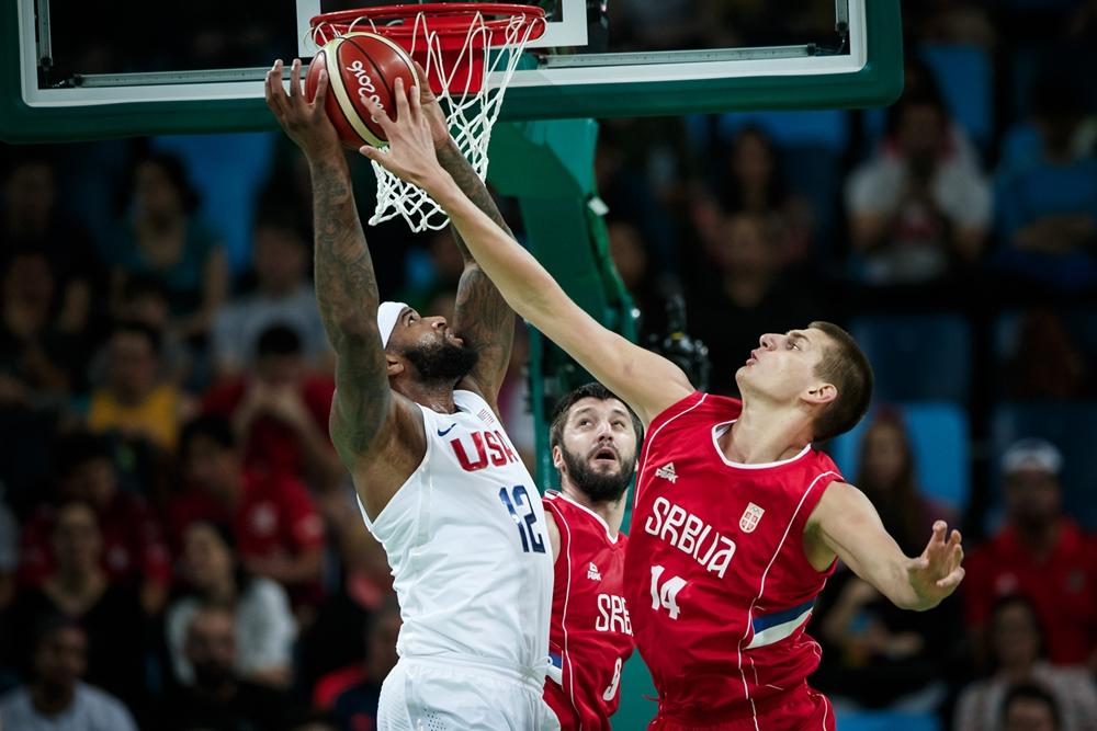 DeMarcus Cousins - USA - Nikola Jokic - Serbien - OL 2016 - FIBA.com